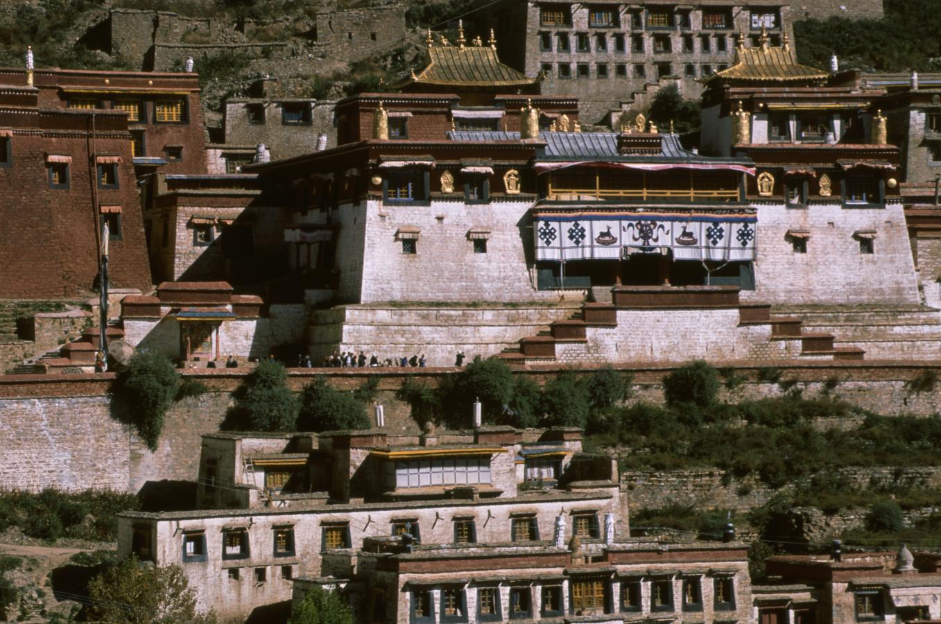ganden-monastery-tagtse-tibet-2000