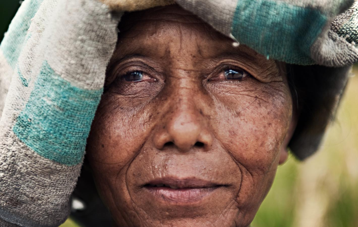 woman-around-ubud-bali-2010
