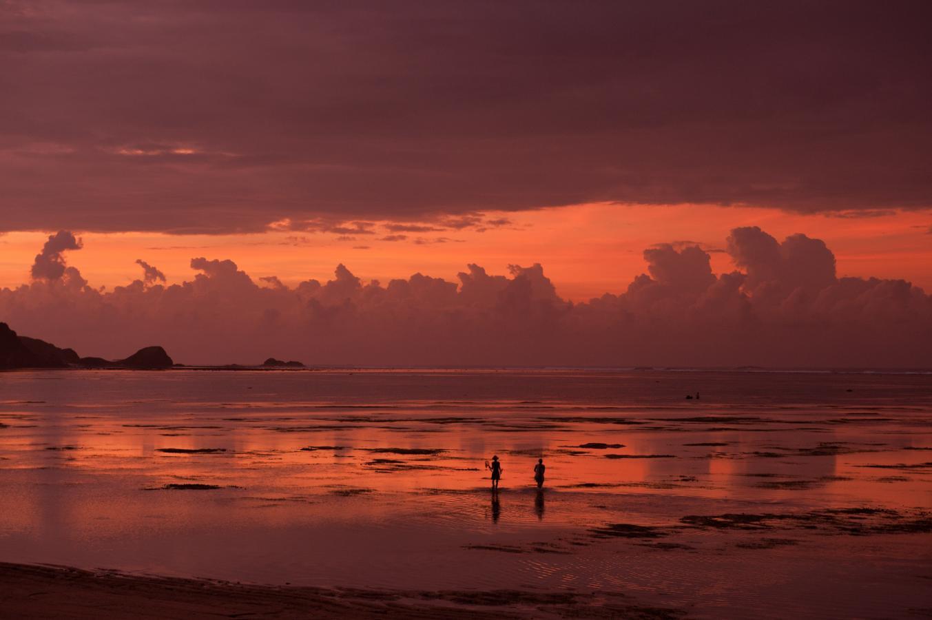sunrise-at-kuta-lombok-2010