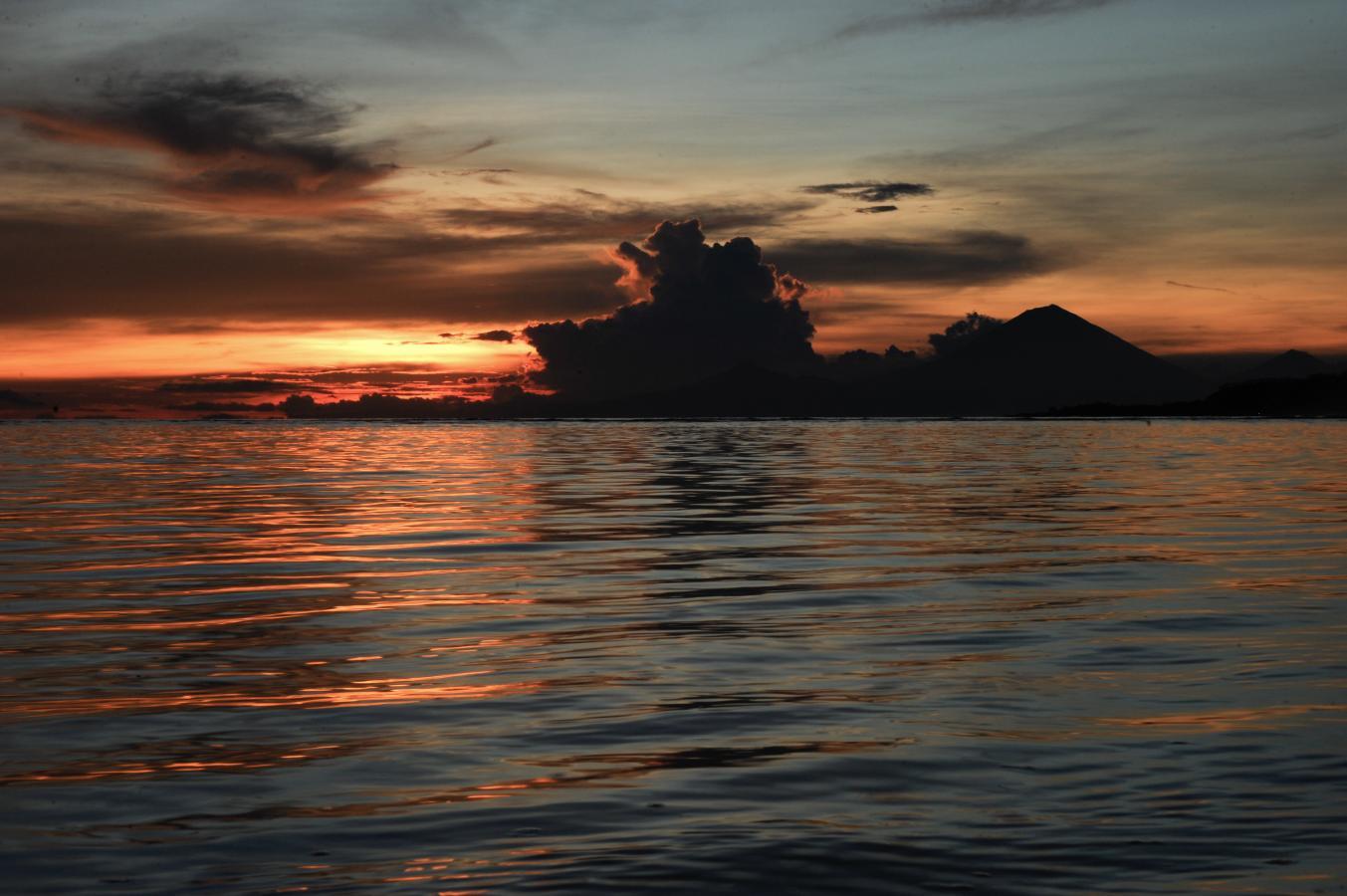 sunset-at-gili-air-2010
