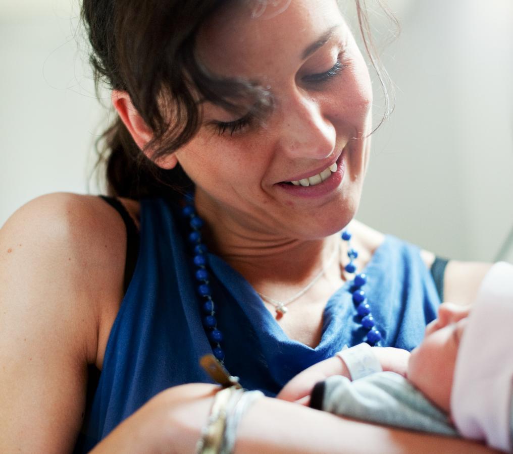 vanessa-with-her-new-goddaughter-antwerpen-2011
