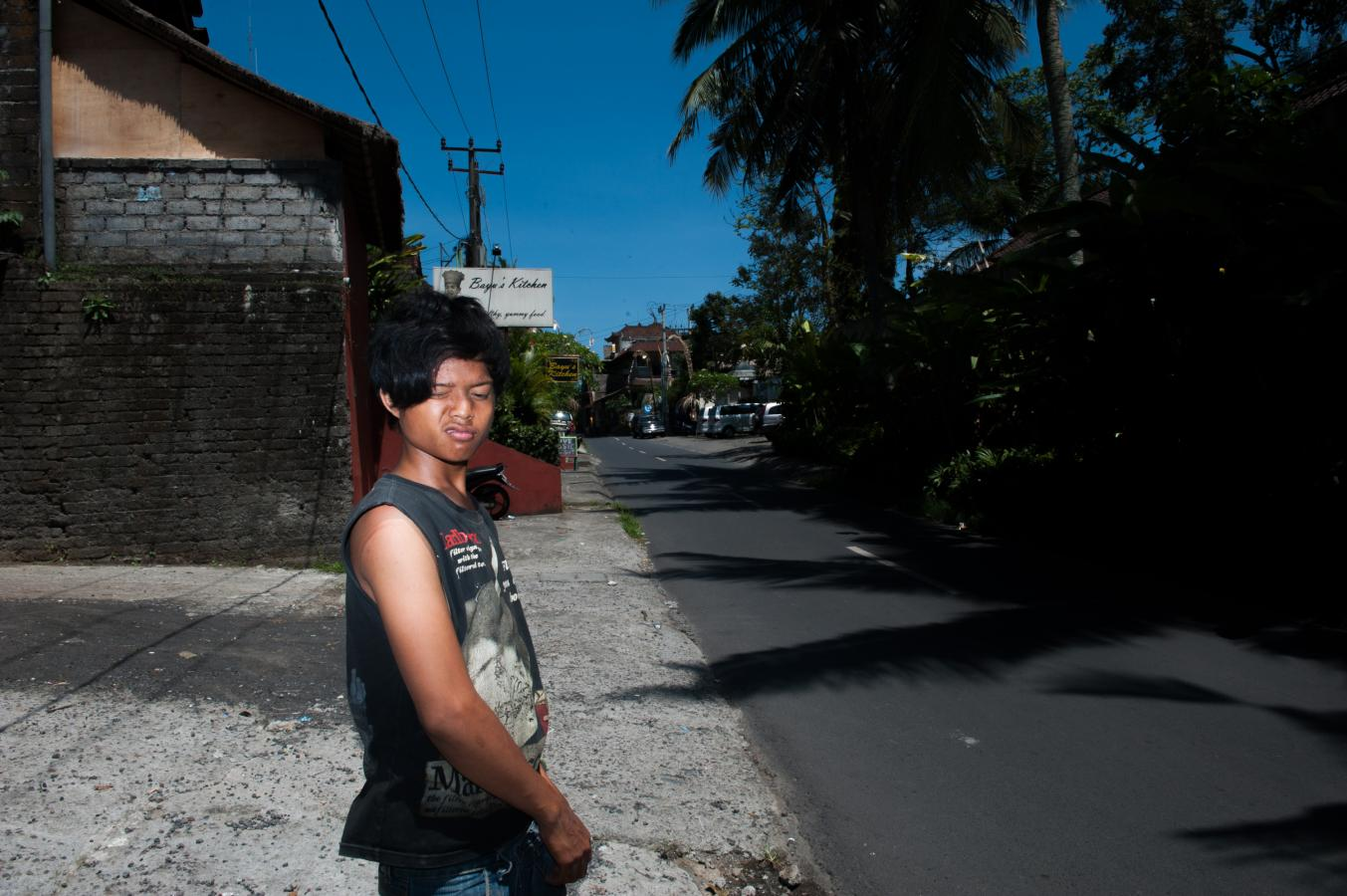 boy-in-the-street-ubud-bali-2013