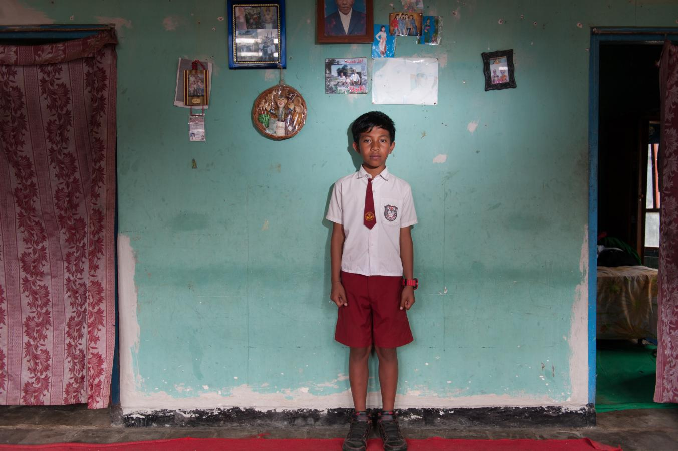 boy-at-his-home-bali-2013